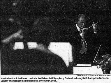 John Farrer conducting the Bakersfield Symphony Orchestra
